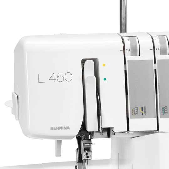 Bernina L450_Keyfeature_Easy Threading 2 - Franklins Group